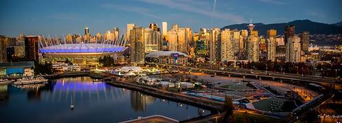 2018 tedmcgrath tedsphotos vignetting cropped sunrise wideangle widescreen cans2s canada falsecreek falsecreekeast eastfalsecreek bc bcplace bcplacestadium vancouver vancouverbc vancouvercity water reflection waterreflection skytrain viaduct cityofvancouver cityview