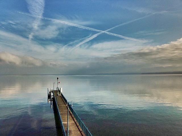 Le ponton sur le lac (levée du jour)