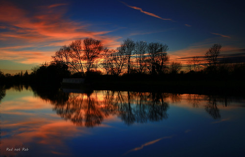 thamesriver sunset reflection colourfulsky blue trees river llongexposure