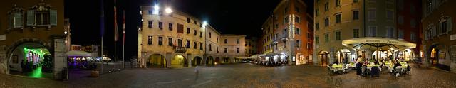 Riva del Garda - Piazza III Novembre Panorama