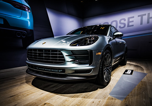 2019 Porsche Macan Photo