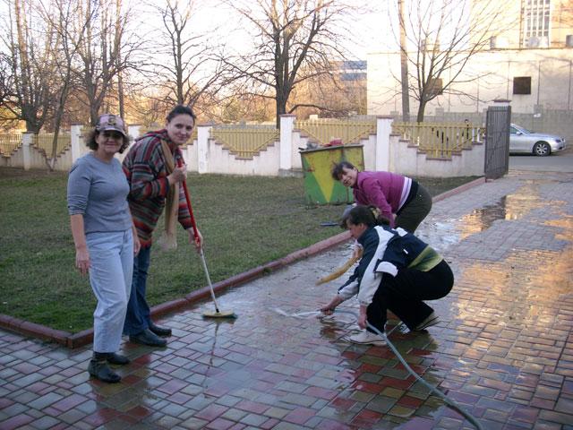Curăţenie În Casa Domnului » 27 Martie, 2010