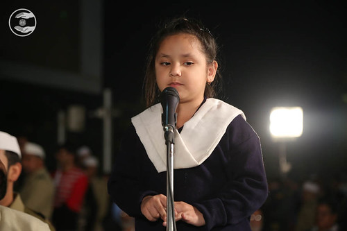 Devotional song by Bal Sewa Dal volunteer