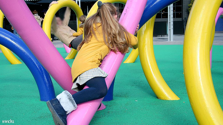 Vestir a los hijos con moda infantil unisex