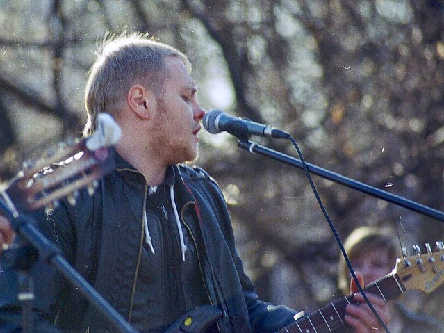 #AlexWatson #minolta #707si #bigbeercan #пленка #filmfoto #kodak #gold #35мм #35mm #iso200 #200iso #выступление #музыкант #музыканты #уличныеМузыканты #улица #микрофон #гитара #электрогитара #вднх #москва #moscow #фотопрогулка #street #стрит #lofi