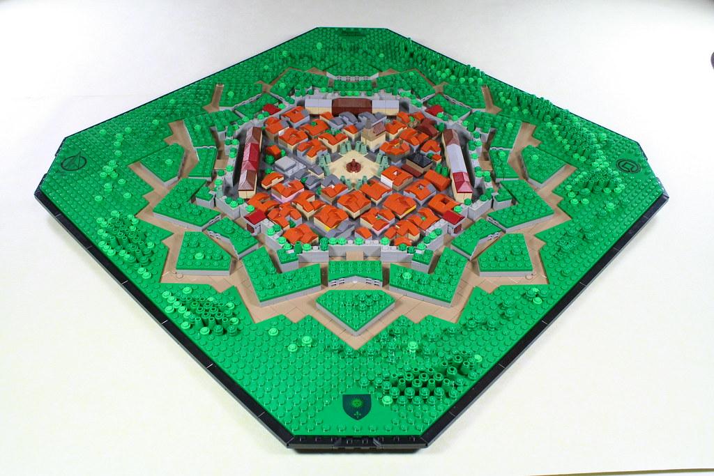 Neuf-Brisach  (microscale lego)