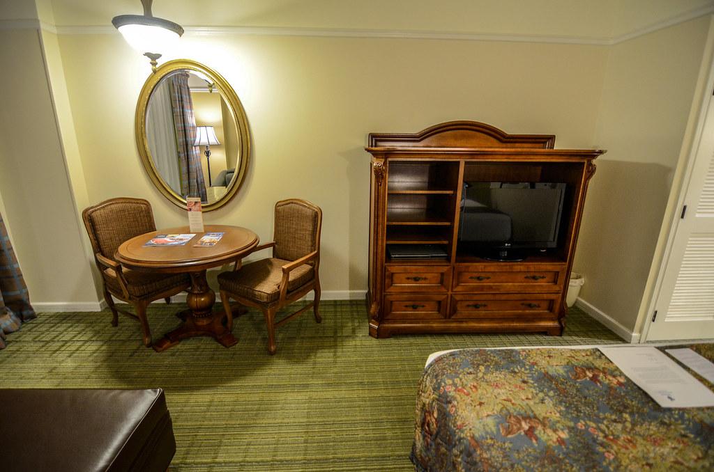 Table TV Saratoga Springs