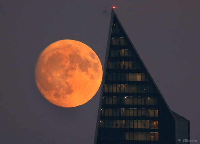 Moonrise, London, Tuesday, Nov. 21. 2018.
