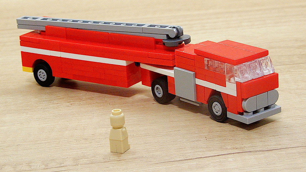 Lego Tiller Truck (MOC - 4K)   youtu be/nj4OPxJkoVM   František