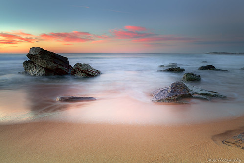 sunrise beach australia sydney sand coastal water ocean calmness tranquility rocks longexposure clouds dawn