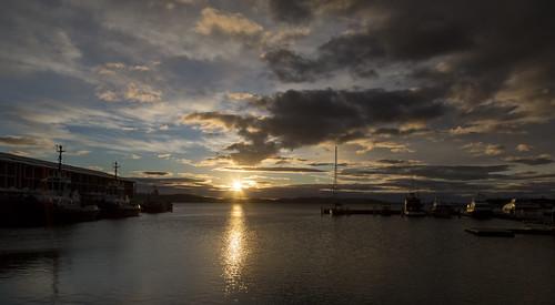 sullivanscove hobart tasmania sunrise morning derwentriver water river sun clouds sky