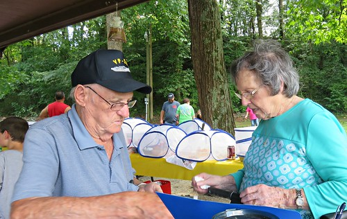 maysfamilyreunion briercreekpark parks family williamsburg ky kentucky uncles aunts coveredfood