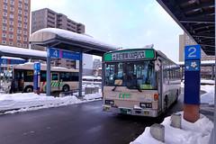 弘前駅から弘前市中心部へは、日中は100円バスが10分毎に走っている