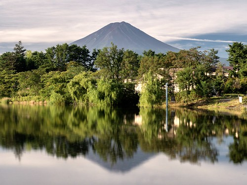 Reflections of Fuji-san | by DesParoz