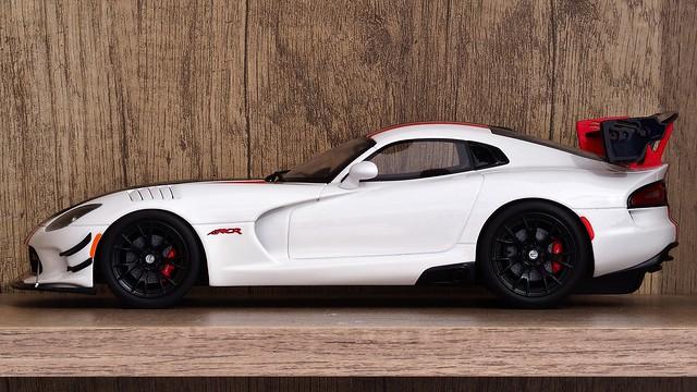 Dodge SRT Viper ACR Side Profile