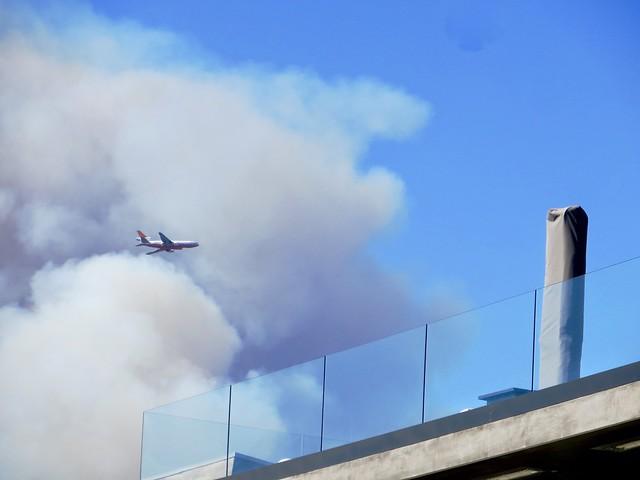 tanker flyover as malibu fire begins