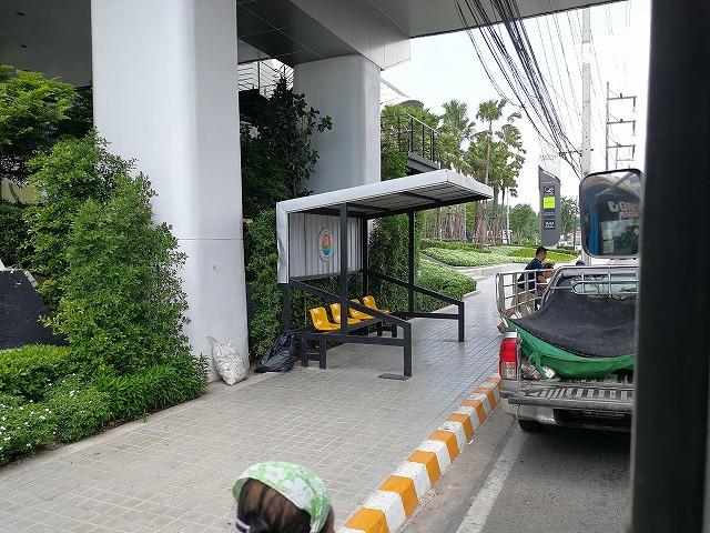 <p>このバス停は、セントラルフェスティバル前のバス停。</p>
