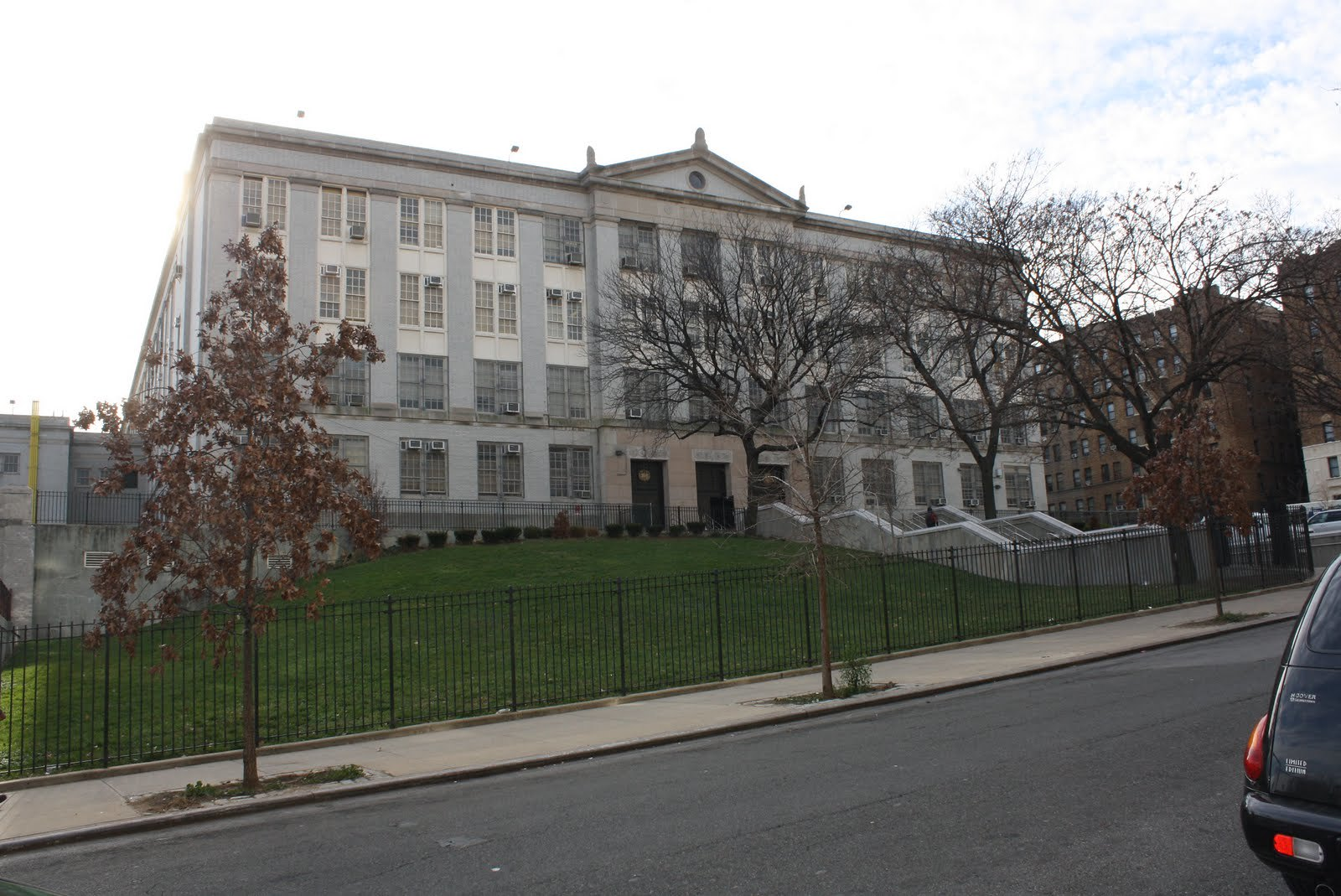 Bronx High School for Medical Science - District 9