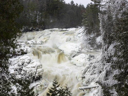 landscape plaisance waterfall winter