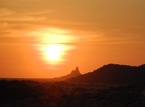 tschad chad ciad tchad sahara sahel desert borkou ennedi tibesti afrika africa afrique faya sunset sun sky