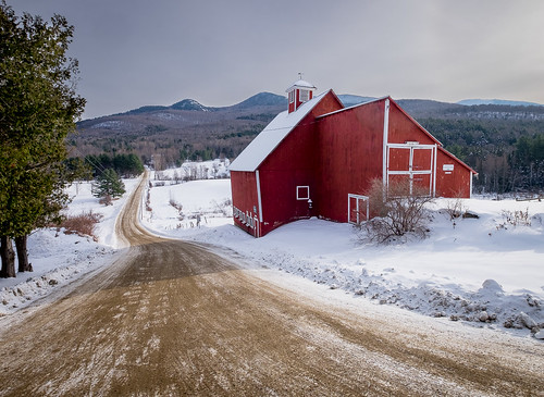 stowe vermont newengland winter barn snow road fields