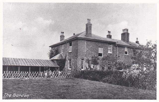 ASH7-085 Finn Farm House - The Garden