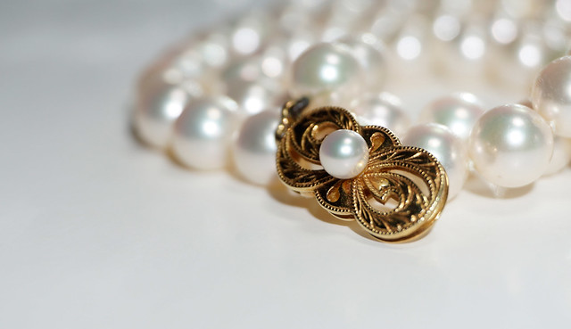 Pearl Clasp.........