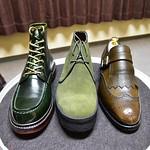 三陽山長 ここ数年、三陽山長で買った靴が緑系ばかりでした。 左から、浅間・遊伍・房二郎、色別にはビリジアン、モスグリーン、カーキって感じでしょうか。 #三陽山長 #浅間 #遊伍 #房二郎 #紳士靴 #革靴 #sanyoyamacho #asama #yugo #fusajiro #shoes #mensshoes #三陽山長浅間 #三陽山長遊伍 #三陽山長房二郎 #緑靴 #greenshoes