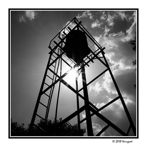 harrypwt nigeria fujix70 x70 borders framed abuja maitama 11 square backyard monochrome bw abstract