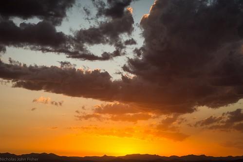 sunset sunsetclouds sundown tamborinemountain mounttamborine sequeensland queensland australia sky horizon mountsuperbus mainrange greatdividingrange