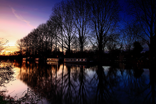 sunset landscape blue calm colourfulsky longexposure thamesriver boats
