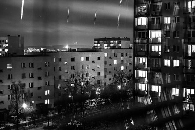 City lights (Betonowa płyta nocą)