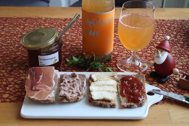 Schnelles Frühstück am Morgen nach Weihnachten