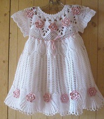 😉✌✨ I loved this very delicate crochet model this charming baby dress enchanted by this pattern. Good night girls