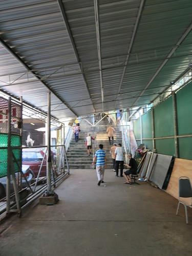 ロイヤルバンコクスポーツクラブ競馬場の2階への階段