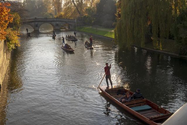 Barques sur la Cam à Cambridge Uk