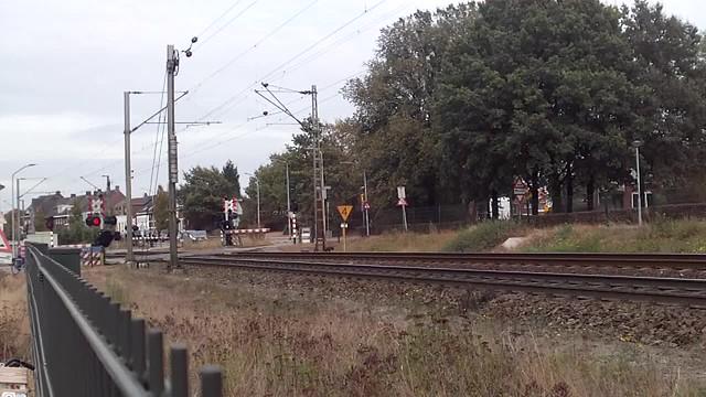 (983) Class66 DE668 HGK( Rheincargo) + Coal Train + Class66 DE61 HGK (Rheincargo ) at Venlo,the Netherlands , October 14,2016