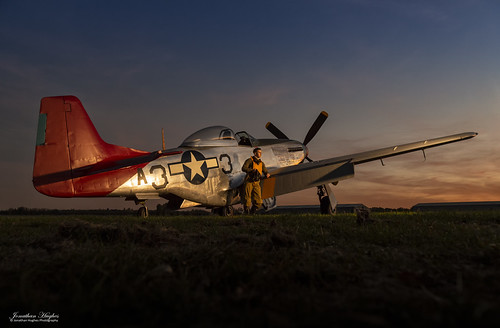 mustang sunset golden lit reenactor essex hangar11 peterteichman tle