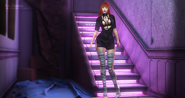 •785 PINK STAIRS