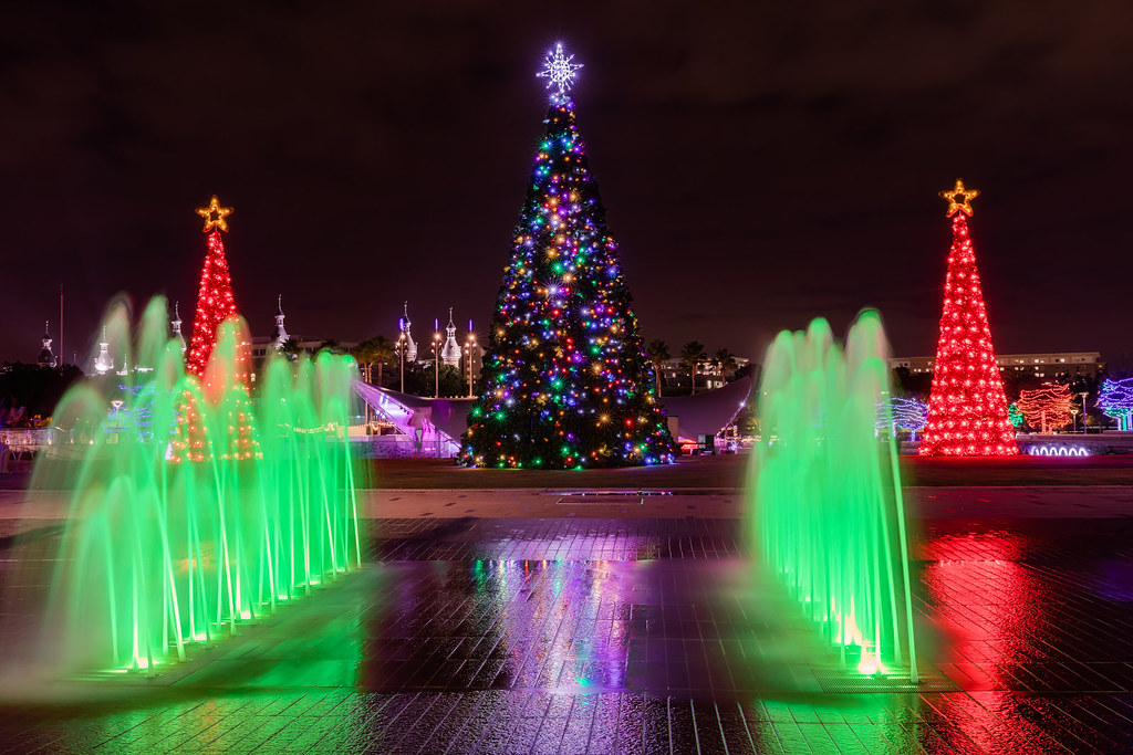 Christmas Tree Between the Fountains
