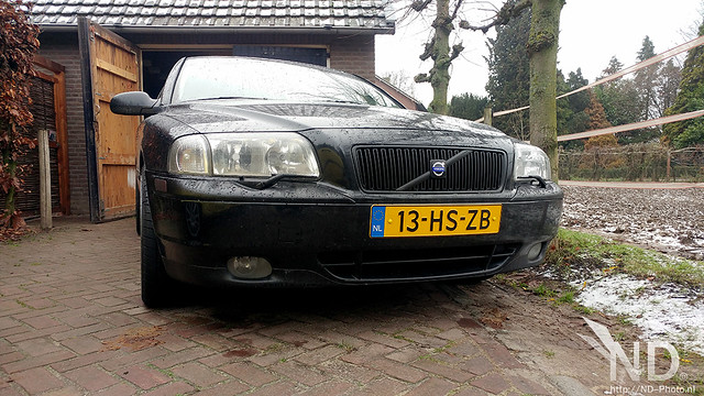 Volvo S80 2.4T Plastidipped Grille