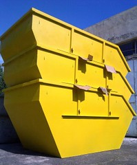 Tereprendezés, felújítás során keletkezett hulladékokat tárolja konténerben, így könnyen elszállíthatóak lesznek.