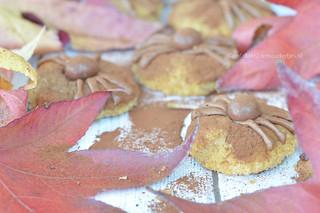 Spinnenkoekjes trakteren op school of met halloween   by Carola Bakt Zoethoudertjes.nl
