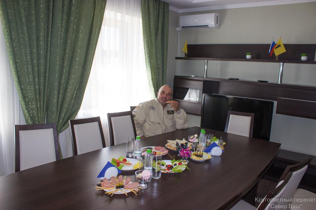 Дмитрий Юрьевич в VIP зале Туношны