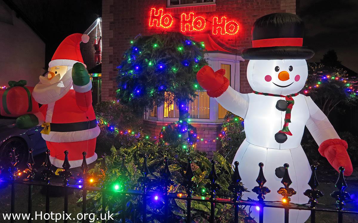 HousingITguy,Project365,2nd 365,HotpixUK365,Tone Smith,GoTonySmith,365,2365 one a day,Tony Smith,Hotpix,Thelwall,Warrington,Xmas,Christmas,Light,Lights,Inflatable Santa,Santa