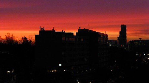 sunrise soluppgång västravägen norratornen buildings byggnader motljus backlight solna stockholm sweden innovationen oscarproperties explore explored