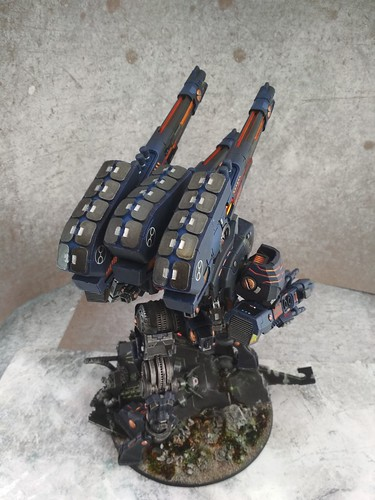 KX139 Taunar Supremacy Armour with Battlesuit Commander00025