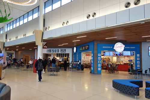 ROC Greater Rochester International Airport 2018 November 27 Remodeled West Food Court