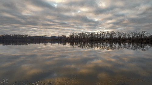 connecticutriver clouds cloudscape color colorful reflection reflectionphotography landscape landscapephotography longexposure goldenhour sonya7ii sunrise hatfield