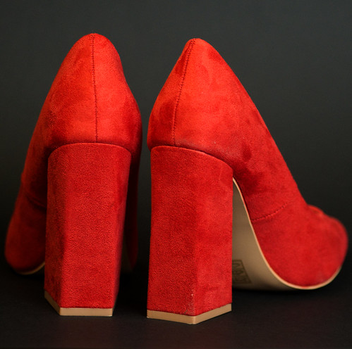 20190112-D500-D50_0064-CleanHeels-square   by Lindsay Pennell